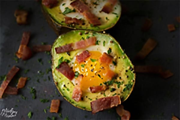 Avocado, Bacon, and Egg Breakfast